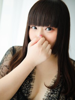 超グラマラスボディに加えてかわいらしい童顔スマイルも好感度抜群のセラピストです♪|梅田 十三 新大阪 西中島 出張&待ち合わせ 人妻性感エステ ママセラ